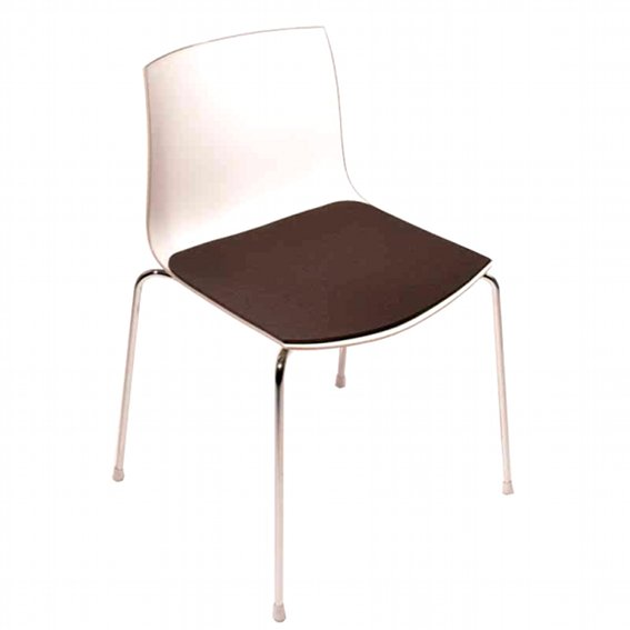 sitzauflage l catifa 46 i lievore molina sitzauflagen. Black Bedroom Furniture Sets. Home Design Ideas