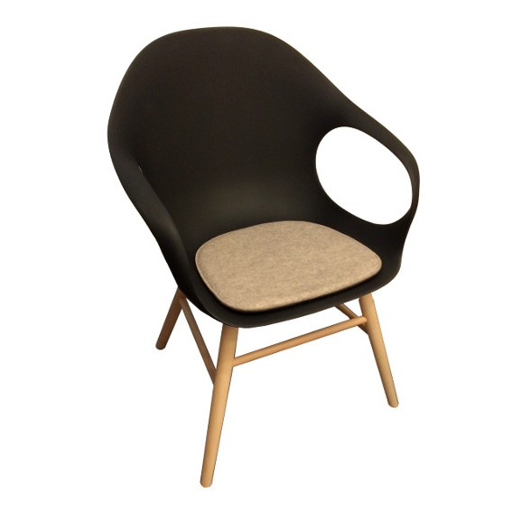 stuhlkissen l elephant chair i kristalia stuhlkissen. Black Bedroom Furniture Sets. Home Design Ideas