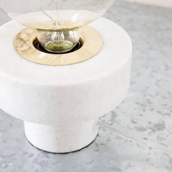 House Doctor Tischleuchte Pin weißer Marmor
